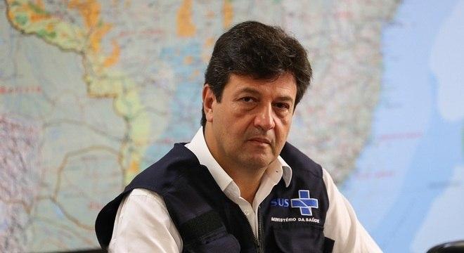 Mandetta destoa de Bolsonaro e defende isolamento