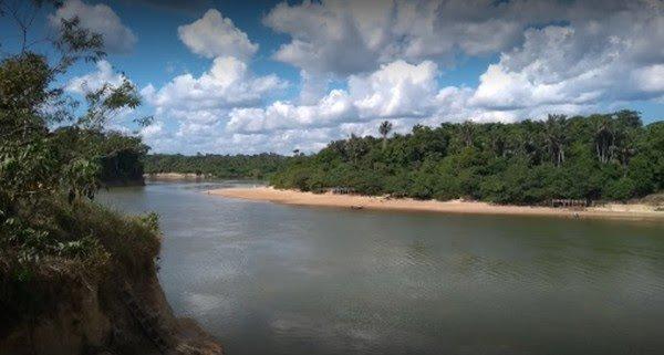 Jovem de 18 anos desaparece na praia da Vila Calderita em Porto Velho