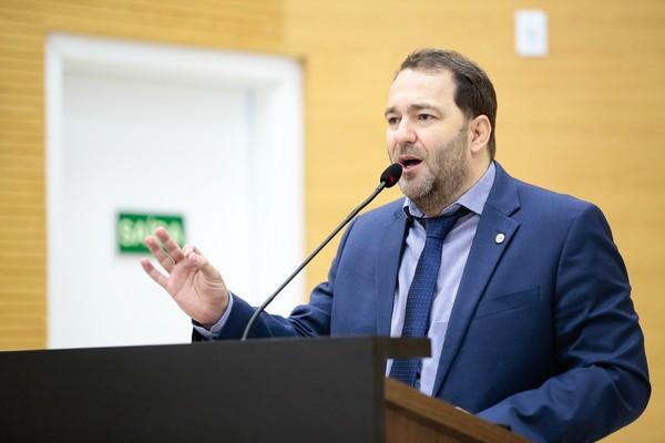 Deputado Alex Redano testa positivo para coronavírus 17 dias após tomar posse como presidente da ALE-RO