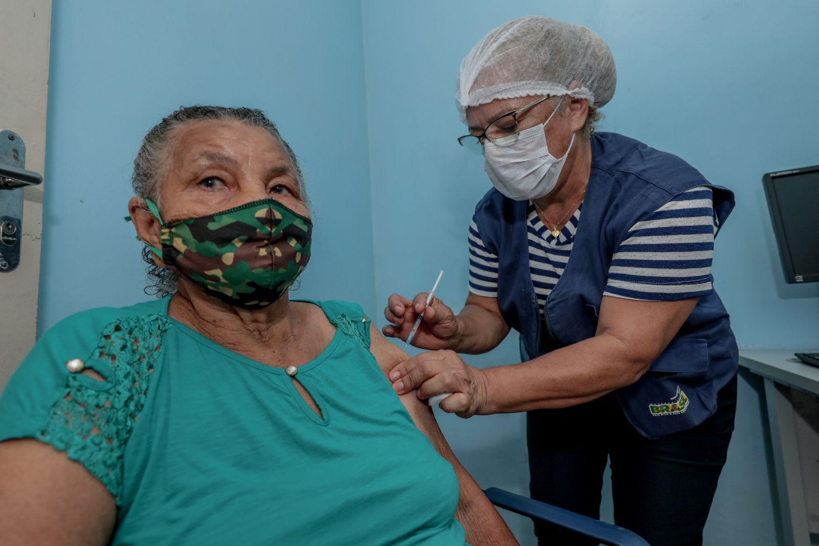 Mais de 4 mil doses de vacina já foram aplicadas em moradores dos distritos de Porto Velho
