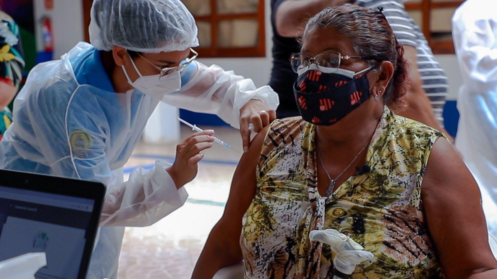 Aberto novo agendamento para vacinação de idosos acima de 65 anos