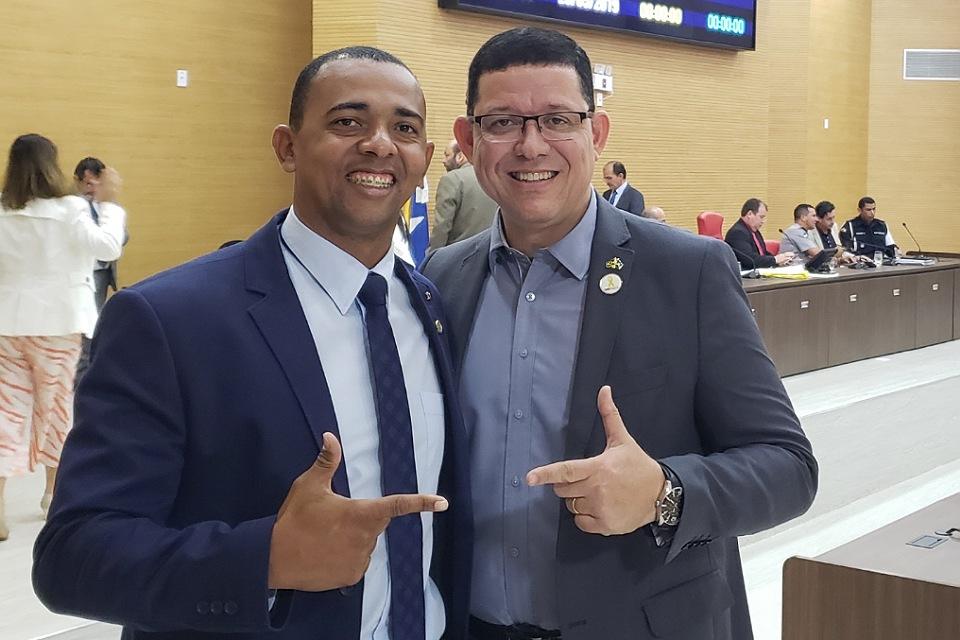 Deputado Jhony Paixão pode compor chapa com Marcos Rocha em 2022