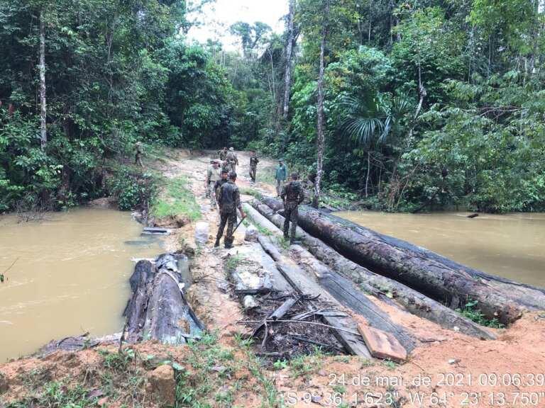Seis pontes são destruídas durante operação contra crimes ambientais na terra indígena Karipuna em RO