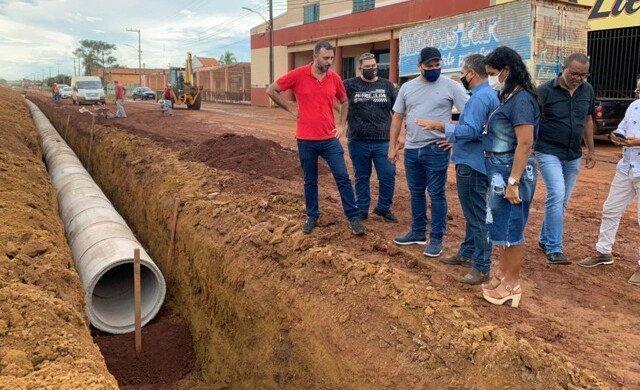 Emendas alocadas por Marcelo Cruz transformam ruas e avenidas em Itapuã do Oeste