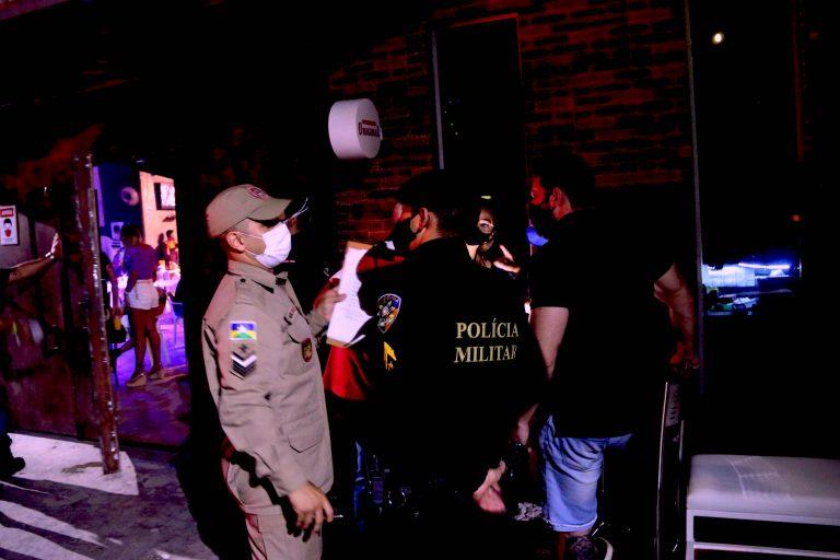 """Na 17ª noite da """"Operação Prevenção"""", estabelecimentos são flagrados descumprindo Decreto 26.038"""