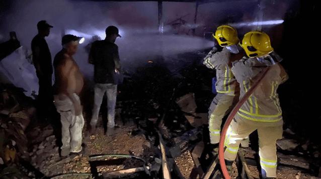Corpo de Bombeiros é acionado para combater incêndio na Vila Princesa