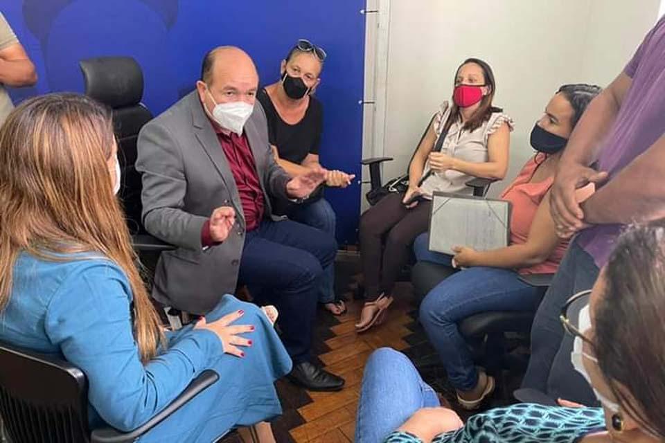 Presidente da Câmara, Defensoria Pública e prefeito se reuni com moradores do Porto Cristo