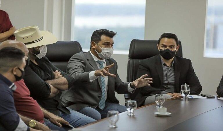 Empresas paralisadas pela pandemia buscam apoio junto ao deputado Marcelo Cruz