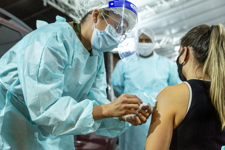 Novo lote de vacinas contra a Covid-19 da Pfizer/BioNTech que chegará ao Brasil contará com 842,4 mil doses do Mecanismo Covax