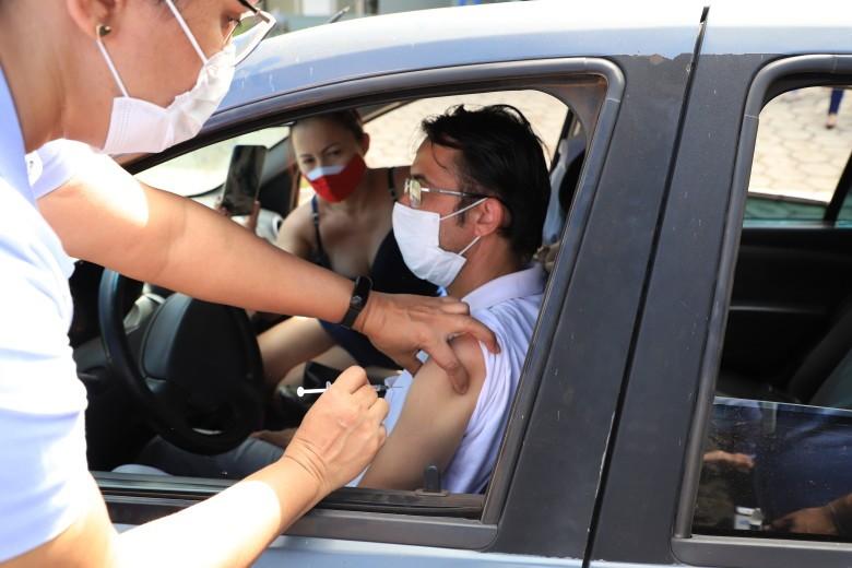 Pessoas de 37 anos começam a ser vacinadas por agendamento em Porto Velho