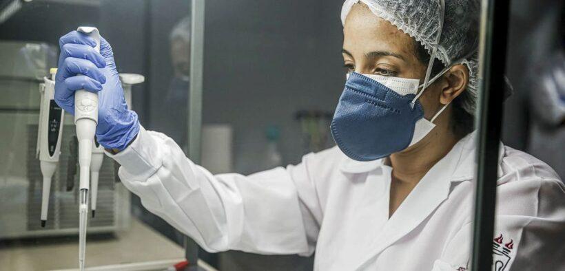 Anticorpos de quem teve covid-19 não protegem contra variante, diz estudo