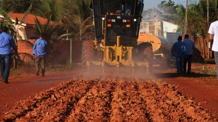 """Governo de Rondônia inicia obras do projeto """"Tchau Poeira"""" no município de Pimenta Bueno"""