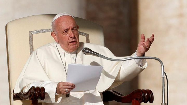 Ao completar um ano da explosão em Beirute, papa promete visita