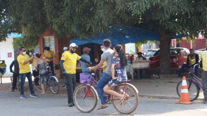 Blitz educativa do Detran orienta ciclistas em Porto Velho