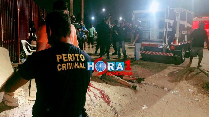 Jovem é morto a facadas durante briga na capital