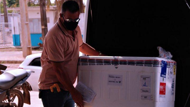 Rondônia recebe mais um lote com 11,6 mil doses de vacina contra a covid-19 do Ministério da Saúde