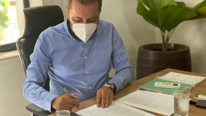 Prefeito Hildon Chaves sanciona Lei que cria a Carteira do Autista em Porto Velho
