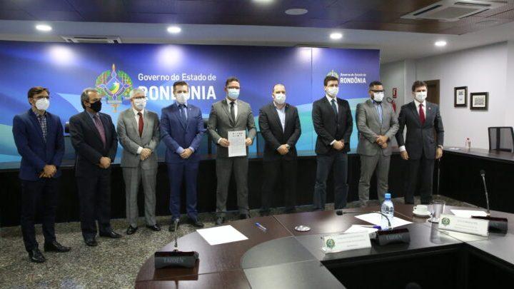 Governo de Rondônia e órgãos de Justiça e Controle celebram termo para ampliar acesso à Justiça gratuita