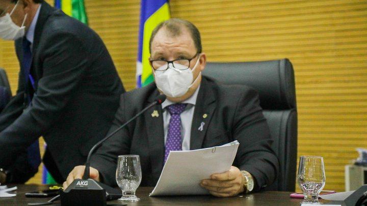 Dr. Neidson indica implantação da central Tudo Aqui em Candeias do Jamari