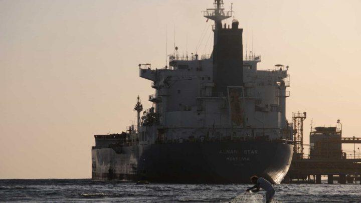 EUA e Reino Unido acusam Irã de ataque a petroleiro na costa de Omã