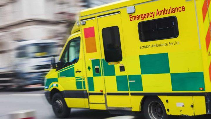 Colisão entre dois ônibus em Londres faz um morto e dois feridos