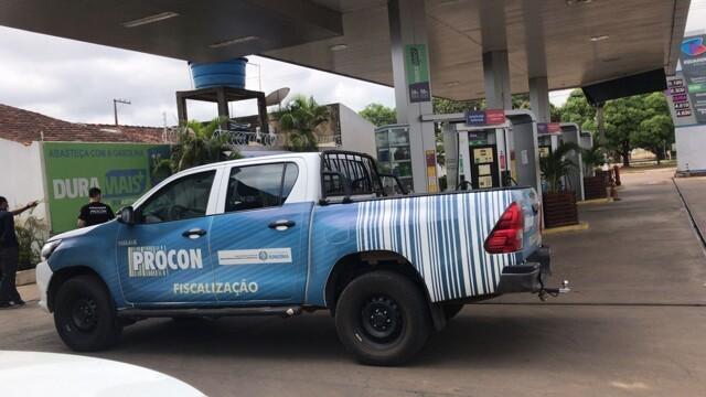 Postos de combustíveis de Porto Velho são autuados pelo Procon por aumentos abusivos