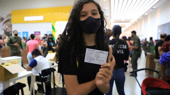 Mais de mil pessoas foram vacinadas na ação realizado no IG Shopping, na zona Leste da capital